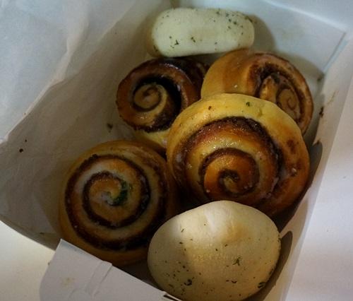 安東(アンドン)の名物パン屋さん「マンモス製菓」!宅配で到着!