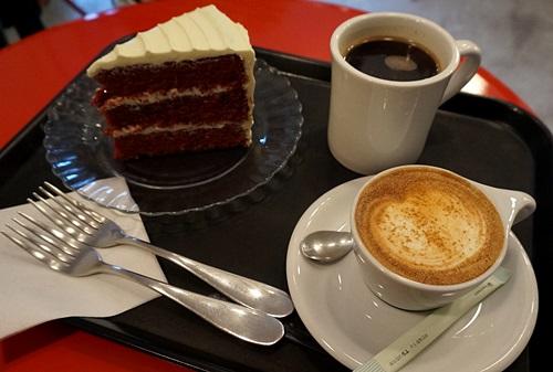 「カンナム」ケーキがおいしいカフェ「THE BANANA&CO.」